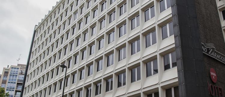 Fachada edificio de oficinas Antonio Valcarreres 1-3-5, Zaragoza