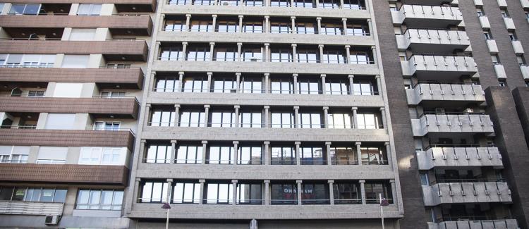 Fachada edificio oficinas Cesar Augusto 14, Zaragoza